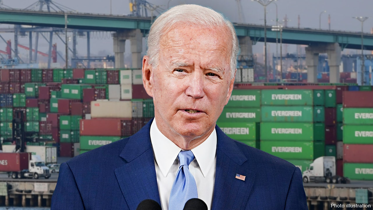 Biden responds to supply chain crisis, urges private sector to 'step up'