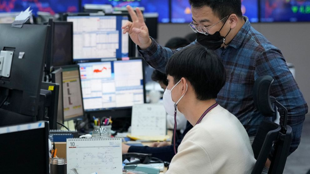 Asian shares rise as Wall Street tech gain boosts optimism