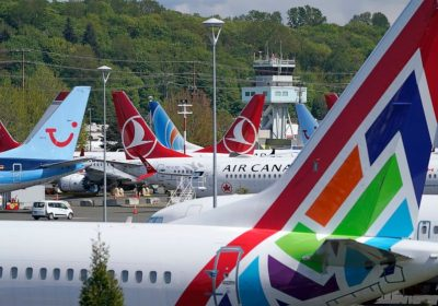 Boeing tells workers they must get COVID-19 vaccine