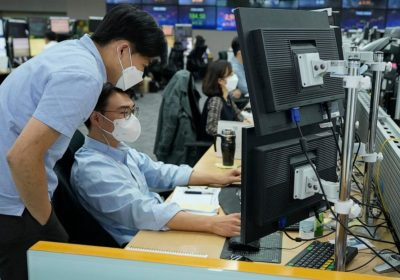 Global stocks rise ahead of closely watched US hiring data