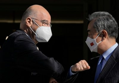 Greece woos investments on Chinese foreign minister's visit