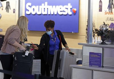 Southwest's vaccine mandate remains in place, judge rules